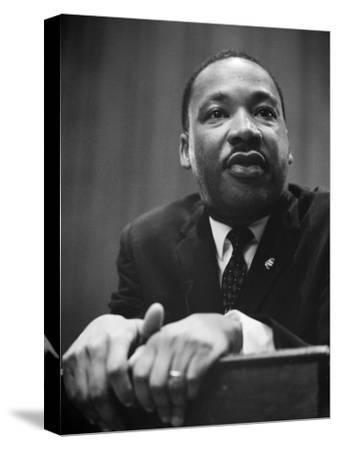 at Press Conference Jr Canvas Martin Luther King Art print POSTER