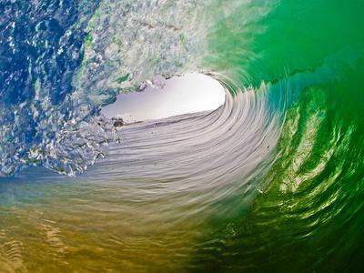 Green Room-Beautiful green pitching wave, Hawaii