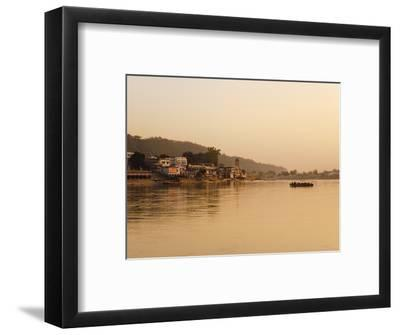 Ferry Crosssing the River Ganges at Sunset, Haridwar, Uttaranchal, India, Asia