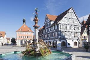 Marketplace, Town Hall, Fountain and Palmsche Apotheke Pharmacy by Markus Lange