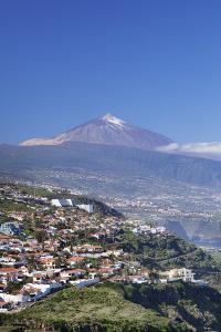 View from El Sauzal to Puerto De La Cruz and Pico Del Teide, Tenerife, Canary Islands, Spain by Markus Lange