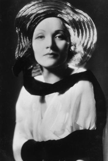Marlene Dietrich (1901-199), German-Born American Actress, Singer and Entertainer, 20th Century--Photographic Print