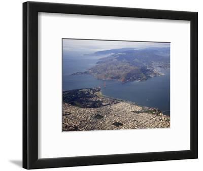 Golden Gate Bridge, San Francisco North to Marin Headlands, California, USA