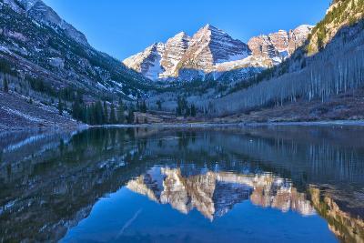Maroon Bells Mountain and Maroon Lake, Colorado-Alan Copson-Photographic Print