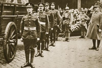 Marshal Foch Salutes the British Unknown Soldier--Photographic Print