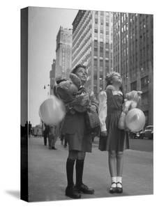 Charles Karo and Irene Guttman Sightseeing in New York by Martha Holmes