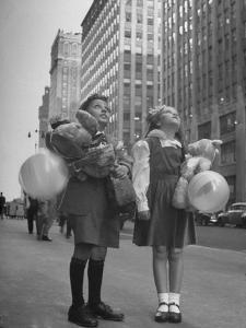 Charles Karo and Irene Guttman Sightseeing in New York by Martha Holmes