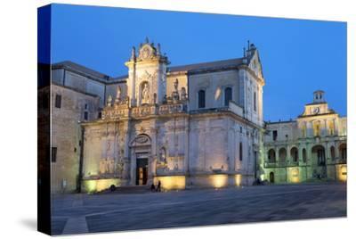 Cattedrale Di Santa Maria Assunta in the Baroque City of Lecce at Night, Puglia, Italy, Europe