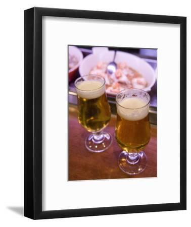 Beers in Tapas Bar, Barcelona, Catalonia, Spain, Europe