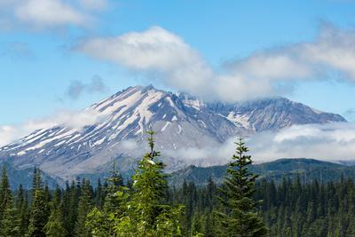 Mount St. Helens, part of the Cascade Range, Pacific Northwest region, Washington State, United Sta
