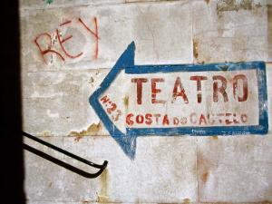 Sign on Wall Directing to Teatro, Lisbon, Portugal by Martin Lladó