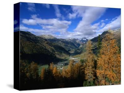 Town of Zernez in Inn Valley of the Swiss National Park, Zernez, Graubunden, Switzerland