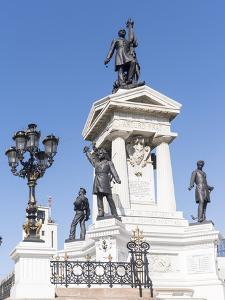 Los Heroes de Iquique Monument. Valparaiso, Chile by Martin Zwick