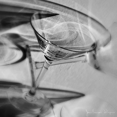 https://imgc.artprintimages.com/img/print/martini-glasses-iii_u-l-pcjnm90.jpg?p=0
