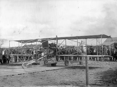 Harvey Crawford and Biplane at Tacoma (September 28, 1912)