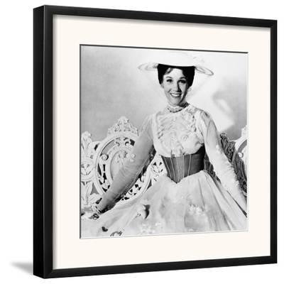 Mary Poppins, Julie Andrews, 1964--Framed Photographic Print