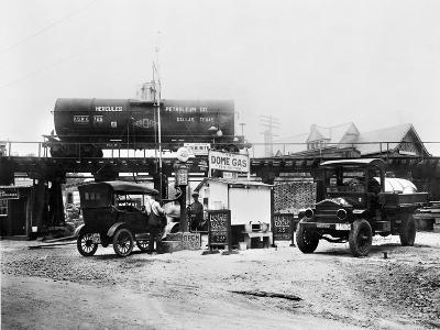 Maryland: Gas Station, c1921--Giclee Print