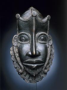 Masque de ceinture représentant un Portugais