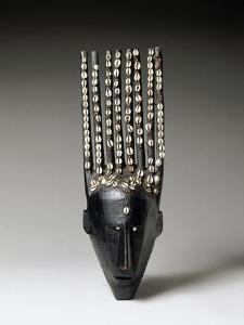 Masque du N'domo à huit cornes