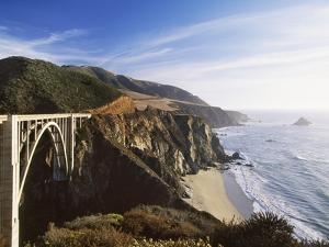 Bridge over Ocean Cliff, Big Sur, California, USA by Massimo Borchi