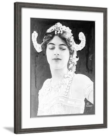 Mata Hari , c.1916--Framed Photographic Print