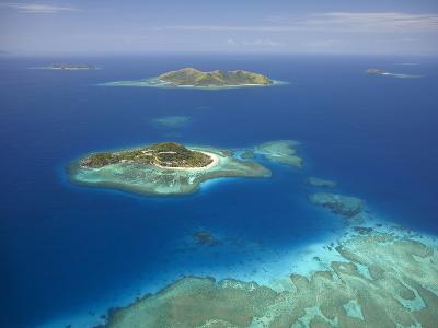 Matamanoa Island and Coral Reef, Mamanuca Islands, Fiji-David Wall-Photographic Print