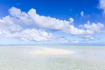 Sand Bank in Aitutaki Lagoon, Cook Islands by Matteo Colombo
