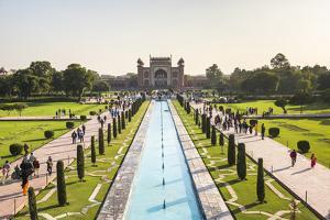 Great Gate (Darwaza-i rauza), the main entrance to the Taj Mahal, UNESCO World Heritage Site, Agra, by Matthew Williams-Ellis