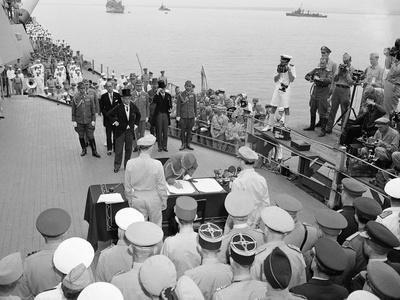 WWII Japan Surrenders 1945