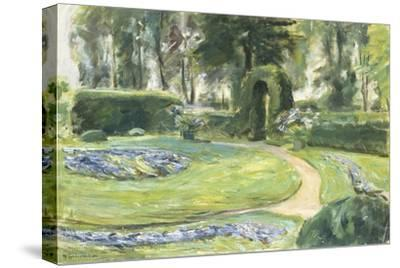 The Circular Flower Bed in the Garden, 1923