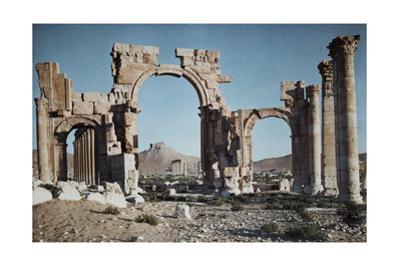 A Greco-Roman Portico Marks Entrance to Syria's Capital, Palmyra