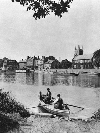 Ferry across the Thames to the 'London Apprentice' Inn, Isleworth, London, 1926-1927