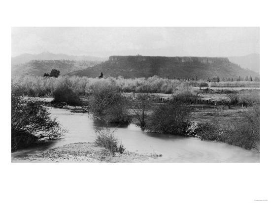 Medford, Oregon View of Table Rock Mountain Photograph - Medford, OR-Lantern Press-Art Print