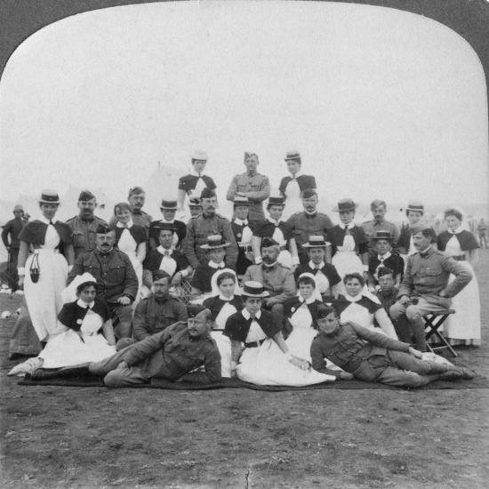 Medical Staff and Nurses of General Hospital No 9, Bloemfontein, South Africa, Boer War, 1901-Underwood & Underwood-Giclee Print