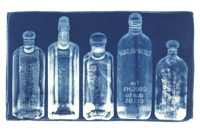 https://imgc.artprintimages.com/img/print/medicine-bottles_u-l-q1br3vx0.jpg?p=0