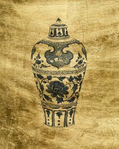 Lustr Chinese Vase I by Melissa Wang