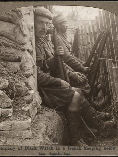 Members of the Black Watch Regiment in the Trenches--Photographic Print
