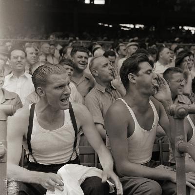 Men Booing Cincinnati Reds--Photographic Print