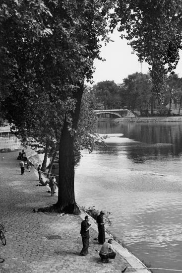Men Fishing along the Seine-Jules Dortes-Giclee Print