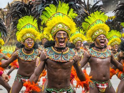 https://imgc.artprintimages.com/img/print/men-in-traditional-dress-at-dinagyang-festival-iloilo-city-western-visayas-philippines_u-l-q1bpz7t0.jpg?p=0