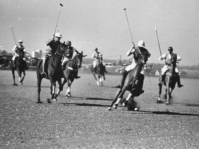 Men Playing Polo-Carl Mydans-Photographic Print