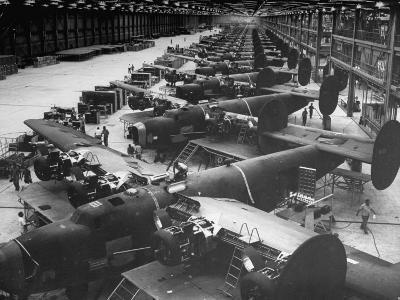 Men Working on Consolidated Aircrafts-Dmitri Kessel-Photographic Print