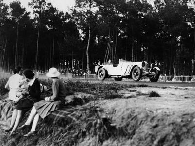 https://imgc.artprintimages.com/img/print/mercedes-benz-ss-in-action-at-the-le-mans-24-hours-france-1930_u-l-pwglho0.jpg?p=0
