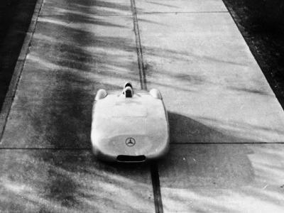 Mercedes-Benz Streamliner Car, 1938--Photographic Print