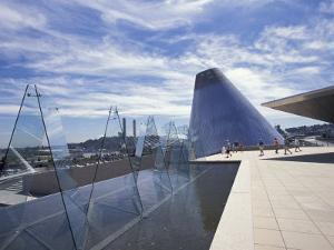 Museum of Glass, Tacoma, Washington, USA by Merrill Images