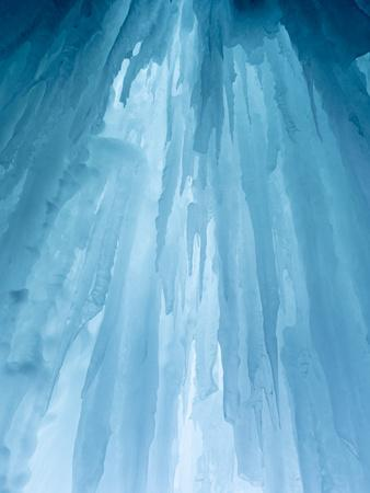 Usa, Montana, Big Sky. Ousel Falls, icicles in cave.