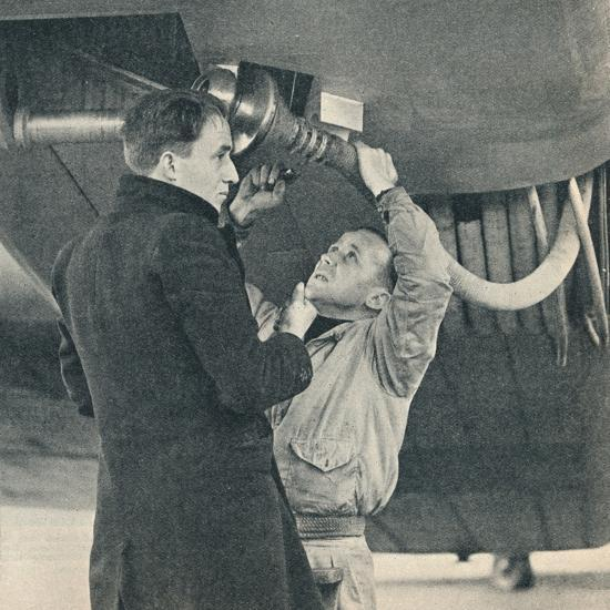 Method of refuelling aircraft devised by Sir Alan Cobham, c1936 (c1937)-Unknown-Photographic Print