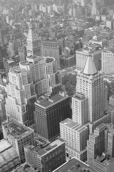 Metropolitan Life Insurance Co Building--Photographic Print