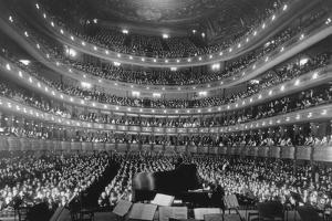 Metropolitan Opera House During a Concert by Pianist Josef Hoffmann, Nov