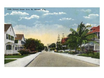 https://imgc.artprintimages.com/img/print/miami-florida-avenue-b-view-of-14th-street_u-l-q1gpal00.jpg?p=0